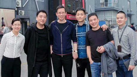 著名财经作家吴晓波莅临茶桔便总部考察